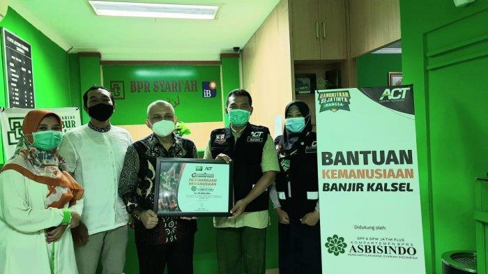 Kompartemen BPRS Asbisindo Bersama ACT Kirimkan Bantuan Pemulihan Pasca Banjir Kalimantan Selatan