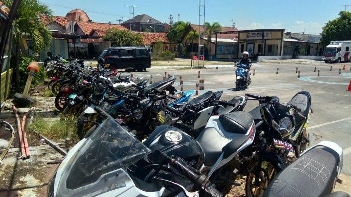 Selama Operasi Keselamatan Semeru 2021, Satlantas Polres Sampang Amankan 7 Kendaraan Balap Liar