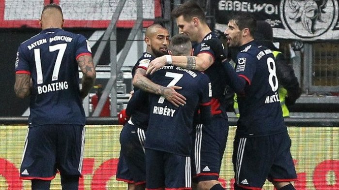 Arturo Vidal Antar Bayern Muenchen Raih Kemenangan Alot di Markas Eintracht Frankfurt