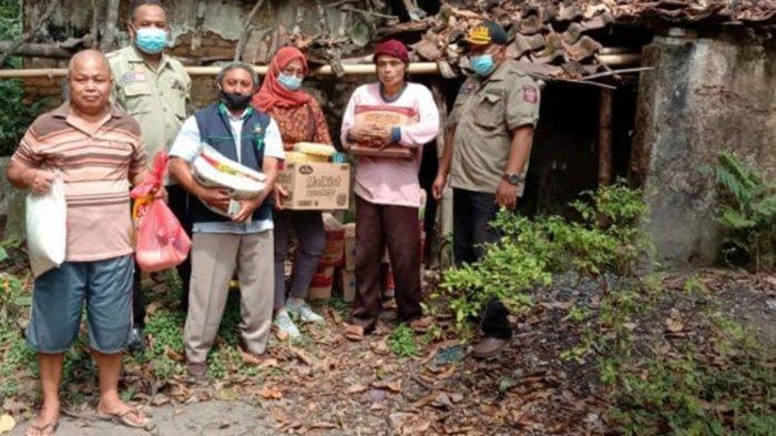Gotong Royong, Dinsos Kabupaten Nganjuk Siapkan Program Bedah Rumah untuk ODGJ di Desa Tegaron