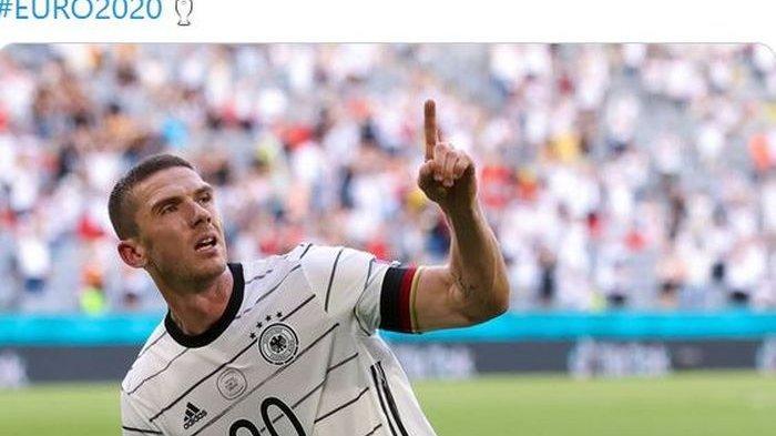 Bek kiri timnas Jerman, Robin Gosens, merayakan gol ke gawang timnas Portugal dalam laga Grup F EURO 2020 di Stadion Football Arena, Sabtu (19/6/2021).