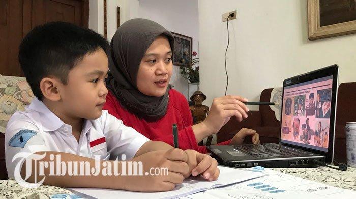 NEWS VIDEO: Curhat Orang Tua di Surabaya Soal Belajar Online, Waktu dan Kuota Internet Lebih Ekstra