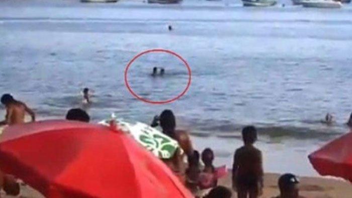 Pasangan Kekasih Ini Lakukan Hal Tak Senonoh di Dalam Laut, Aksi Selanjutnya Jadi Mimpi Buruk