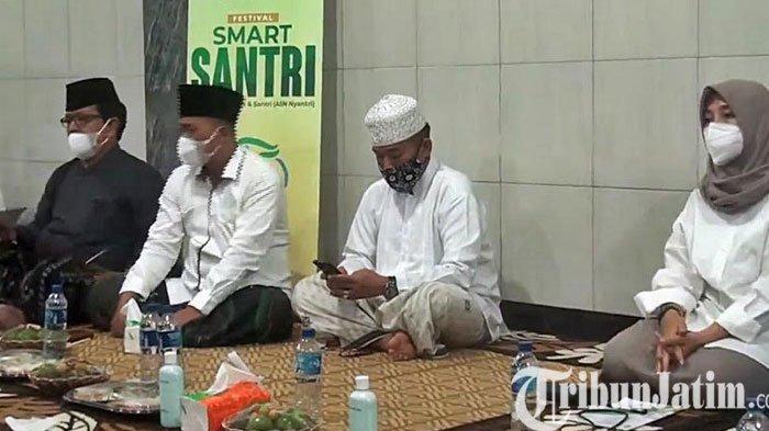 Bupati Banyuwangi, Ipuk Rutin Ngaji Kitab Kuning Dikemas 'Festival Smart Santri'