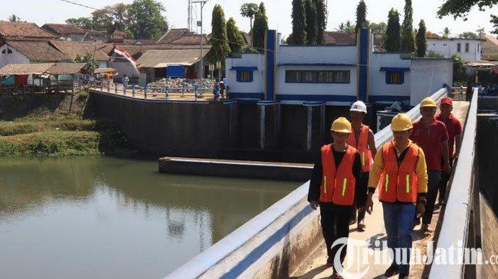 Intensitas Hujan Cukup Tinggi, Plt Kepala Dinas PU Pengairan Banyuwangi Pantau Potensi Banjir