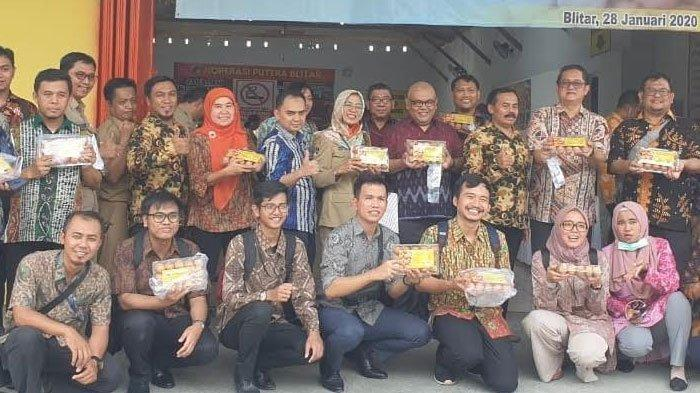 Sharing Soal Inflasi, Perwakilan BI se-Indonesia Kunjungi Koperasi Peternak Ayam Petelur di Blitar