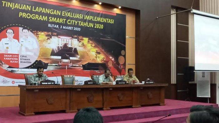 Buka Evaluasi Implementasi Smart City, Bupati Blitar : Daerah Wajib Ikuti Perkembangan Teknologi
