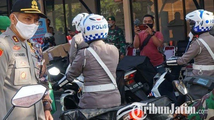 HUT ke-74 Bhayangkara, Polres Blitar Kota Gelontor 10 Ton Beras untuk Warga Terdampak Covid-19