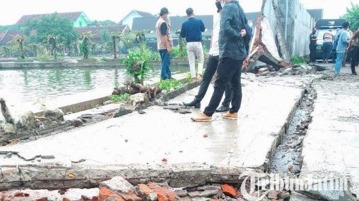 Polisi Selidiki Robohnya Tembok Pagar Balai Benih Ikan Kota Blitar yang Timpa Bocah Hingga Tewas