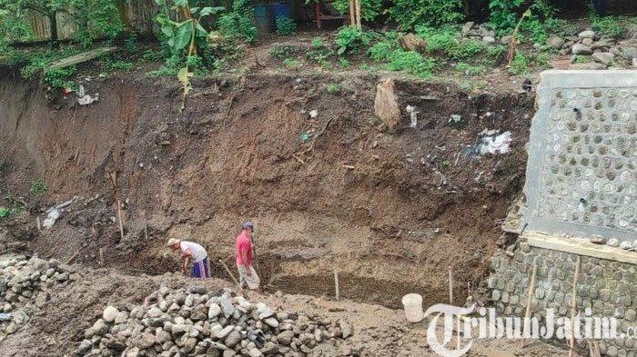 Baru Sebulan Dibangun, Plengsengan Dam Gajah di Kota Blitar Ambrol
