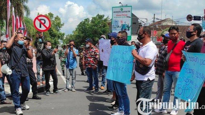 Gelar Aksi di Kantor Wali Kota Blitar, Eks Tenaga Banpol Pertanyakan Pengadaan Tenaga Outsourcing