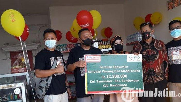 Bangkitkan Usaha Warung, Alfamart Berikan Bantuan Bedah Warung dan Modal di Bondowoso