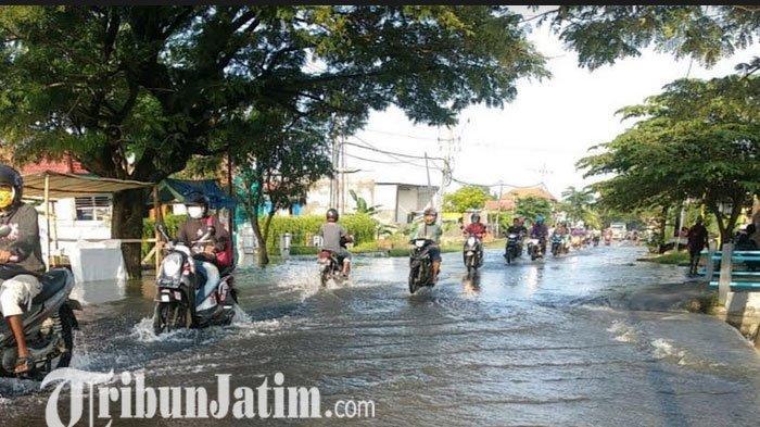 Banjir Yang Melanda Dua Kecamatan di Kabupaten Gresik Mulai Surut