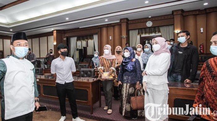 Berprestasi Baca Berita PWI Ditengah Pandemi Covid-19, Pelajar di Gresik Kangen Sekolah