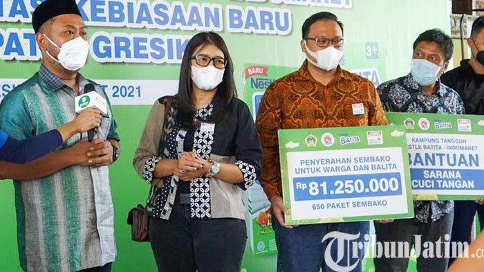 Kampung Tangguh Nestle Batita Bagikan Sembako di Kabupaten Gresik