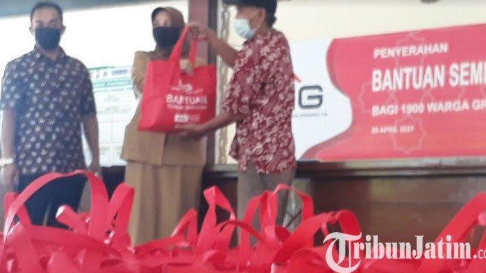 Jelang Hari Raya Idul Fitri 1442 H, SIG Peduli Bagikan 1,900 Paket Sembako Gratis ke Warga Sekitar