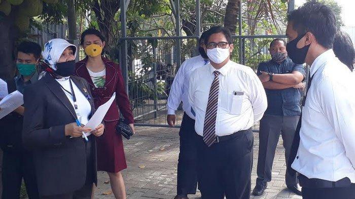 Hakim Pengadilan Negeri Gresik Sidang di Lokasi Sengketa 'Rumah Makan Bandeng Pak Elan II'