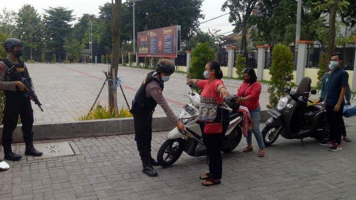 Pengamanan Mapolres Gresik Diperketat
