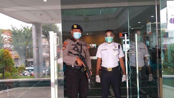 Polres GResik Terjunkan Anggotanya Bersenjata Lengkap