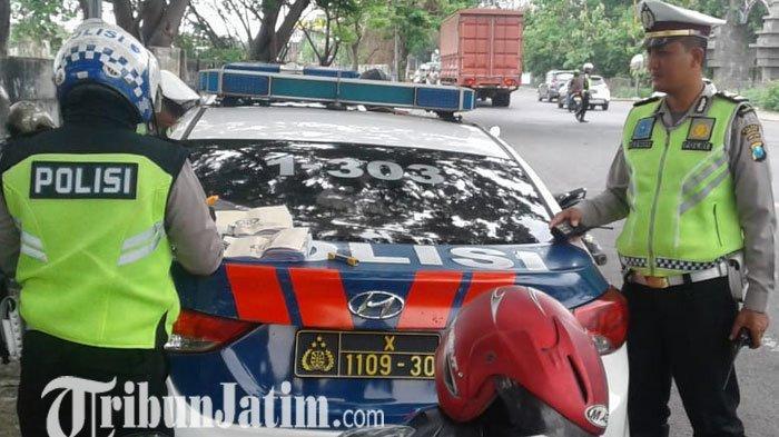 Razia Dua Jam di Cerme Gresik, Polisi Tilang 105 Kendaraan