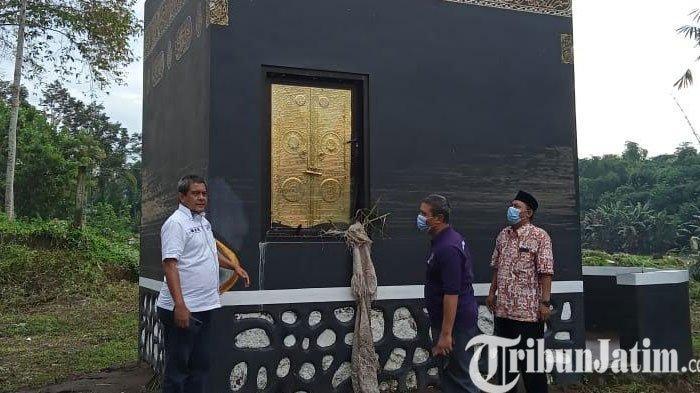 Banjir Jebol Pintu Gedung Teater IAIN Jember
