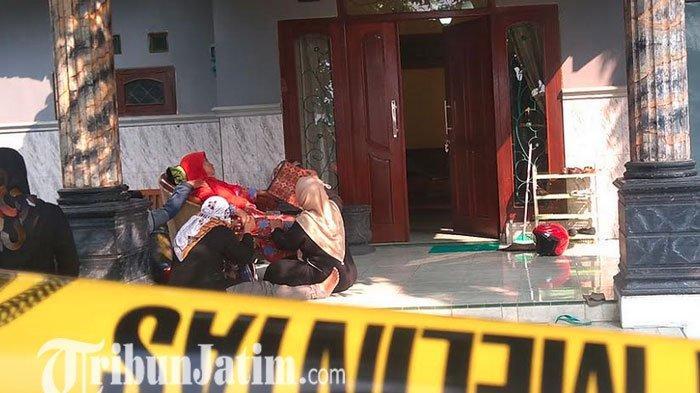 Guru SMP di Jombang Ditemukan Tewas Bersimbah Darah, Diduga jadi Korban Perampokan