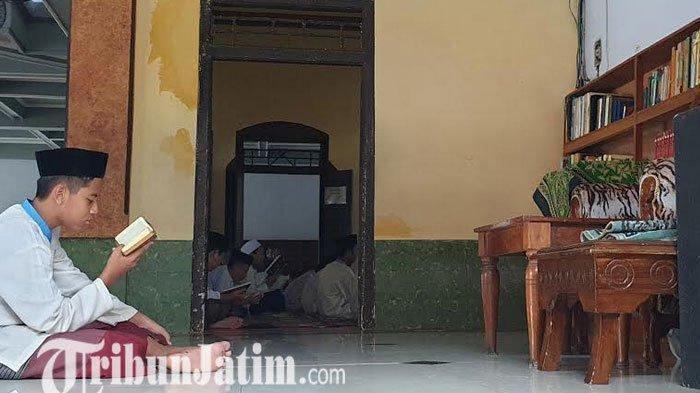 Sepeninggal Gus Solah Aktivitas Santri Pondok Pesantren Tebuireng Diliburkan