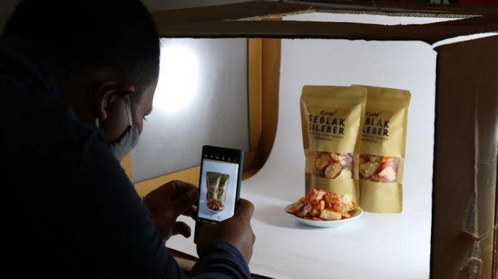 Pelatihan Foto Kece Modal HP Untuk Pelaku UMKM Kota Kediri