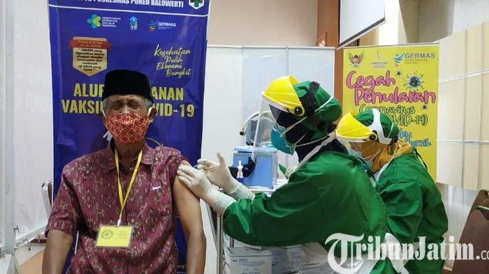 Masyarakat Lanjut Usia Kota Kediri Mulai Mendapatkan Vaksinasi Covid-19