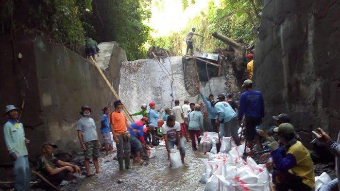Hujan Deras Picu Banjir Bandang di Besowo Kepung Kediri Merusak Penampungan Air