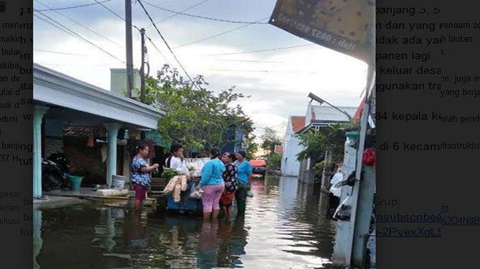 Sebulan Lebih Warga Desa di Lamongan Jatim ini Dekepung Banjir, Gagal Panen Ikan