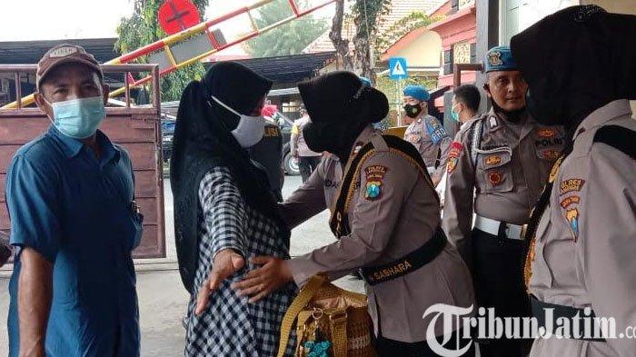 Pasca Aksi Teroris di  Mabes Polri,  Polres Lamongan Perketat Penjagaan