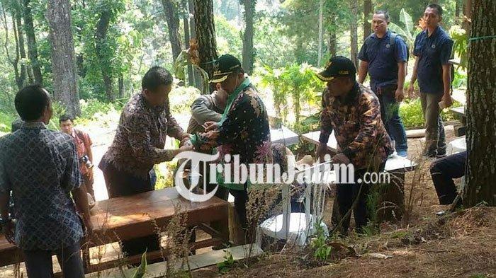 Bupati Muhtarom Jatuh dari Motor Trail Saat Tinjau Kegiatan TMMD di Desa Bodak