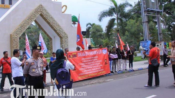 Buruh dan Mahasiswa di Kabupaten Madiun Menolak Omnibus Law RUU Cipta Lapangan Kerja