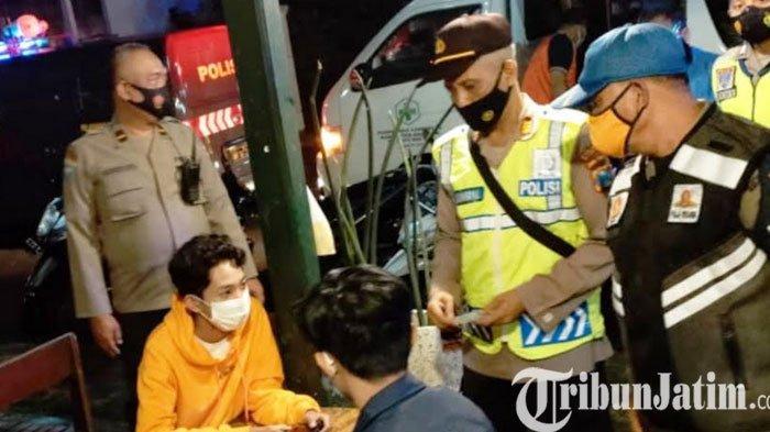 Polisi,TNI dan PM Magetan Razia Pengunjung Warung Kopi, Seorang Dinyatakan Reaktif