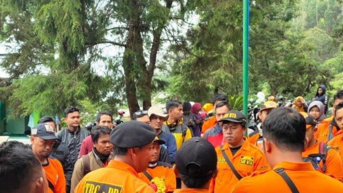 Cidera, Empat Pendaki Gunung Lawu di Magetan Dievakuasi , Seorang Mengalami Hipotermia
