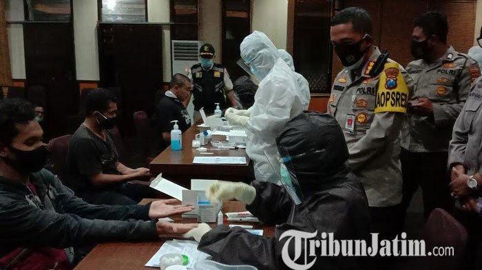 129 Pengunjuk Rasa Yang Ditahan di Mapolreta Malang Kota Dilakukan Rapid Test, Ini Hasilnya