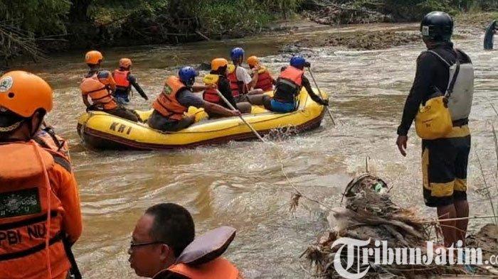 Pencari Bonsai Hilang Terseret Arus Sungai Pikatan Jatirejo Mojokerto, Pencarian Diperluas 3,5 KM