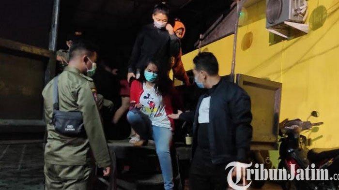 Asyik Bermesraan di Kamar Kos, 4 Pasangan Bukan Pasutri Dirazia Satpol PP Kota Mojokerto