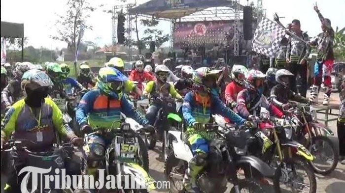 Ratusan Crosser se Jawa Timur Unjuk Gigi Taklukan Medan Terjal di Pacet Mojokerto