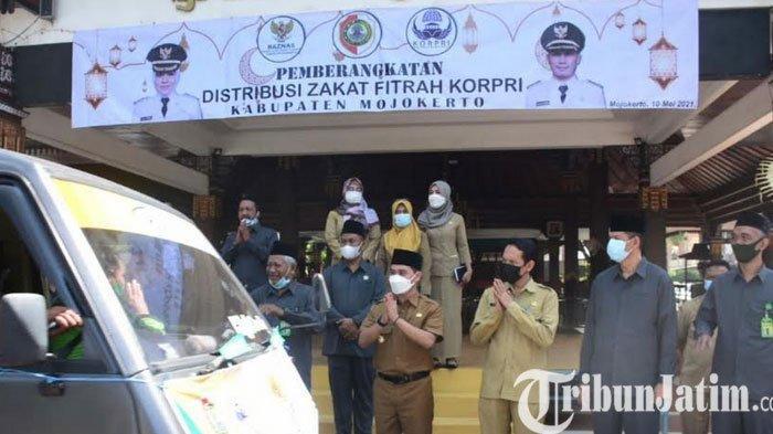Pemkab Mojokerto Salurkan 4.800 Paket Zakat