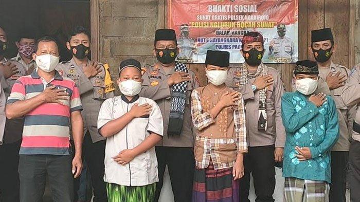 Sunat Gratis Door to Door Polres Pacitan Peringati HUT Bhayangkara ke-75