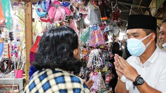 Peduli Covid-19, Mas Adi Blusukan Ke Pasar Besar Kota Pasuruan