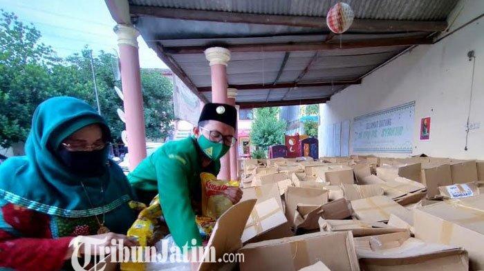 Giliran Yayasan Beri Bantuan Untuk Yang Terdampak Pandemi Covid-19 di Pasuruan
