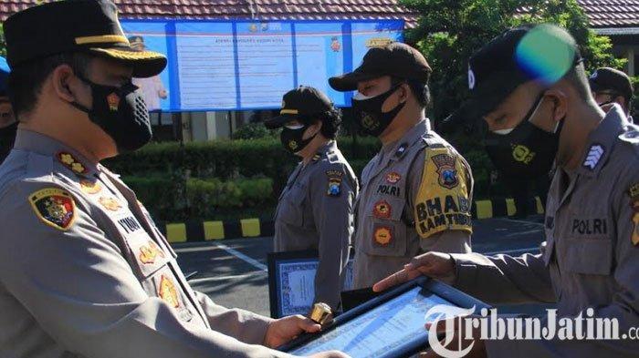 9 Anggota Polres Kediri Kota Berprestasi Dapat Penghargaan