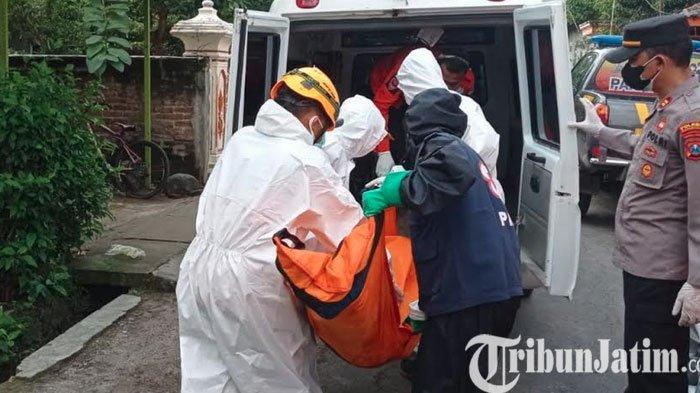 Pria Tak Bernyawa Dotemukan di Kamar Mandi, BPBD Ponorogo Evakuasi dengan APD