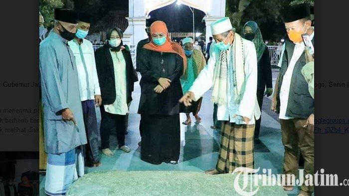 Salat Tarawih dan Idul Fitri Diperbolehkan, Gubernur Khofifah: Tetap Jaga Jarak Aman