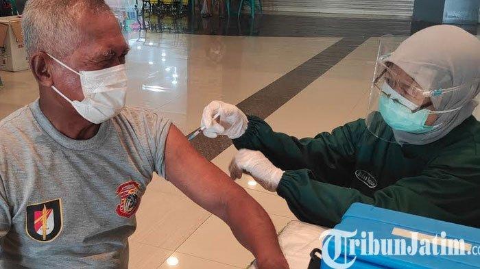 Vaksinasi Lansia di Ponorogo Baru 4 Persen, Banyak Yang Takut KIPI
