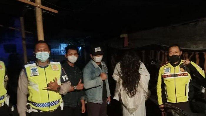Kuntilanak Keliling Warung, Bubarkan Kerumunan Warga Di Ponorogo