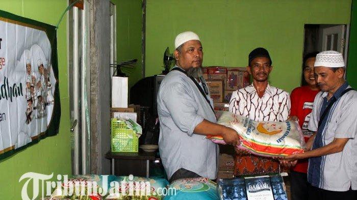 Sambut Ramadan, Komunitas Debu Langit Sidoarjo Bagi-bagi Sembako untuk Panti Asuhan